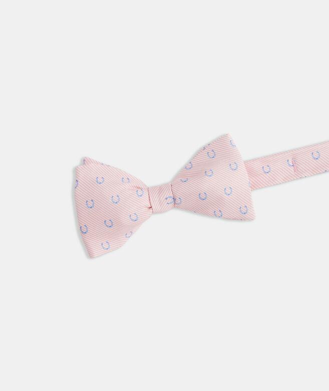 Kentucky Derby Seersucker Horseshoes Printed Bow Tie