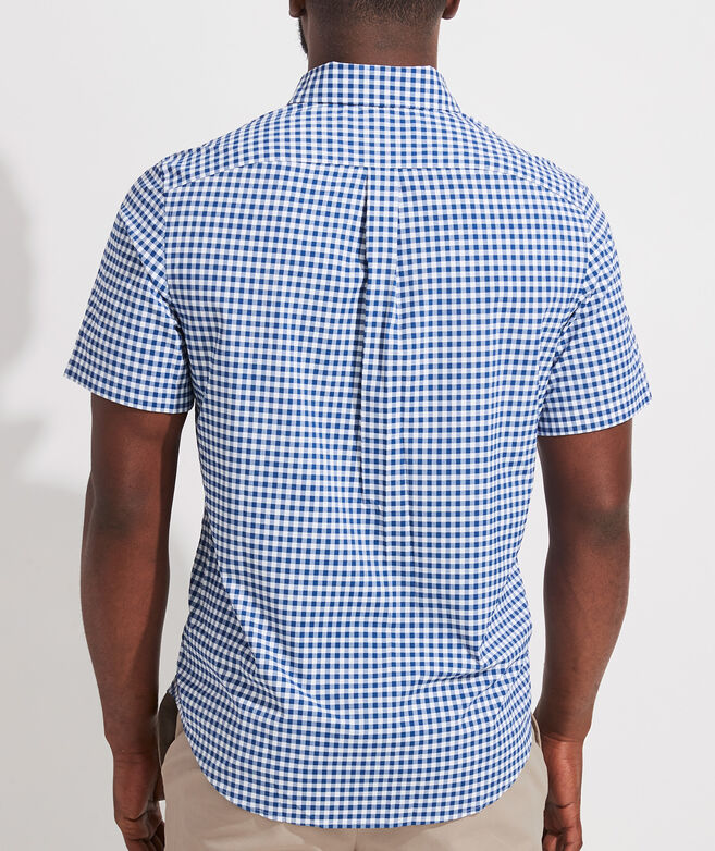 Classic Fit Check Short-Sleeve On-The-Go Shirt in Performance Nylon