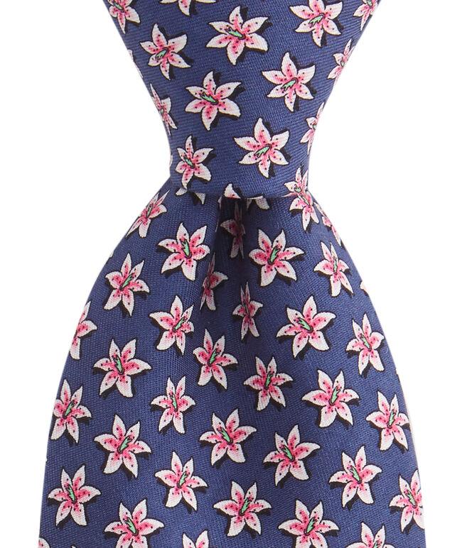 Lillies Tie